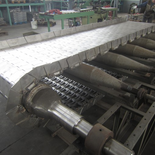 Cast conveyors belts